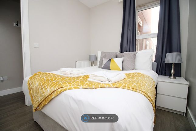 Thumbnail Flat to rent in Elm Street, Cardiff
