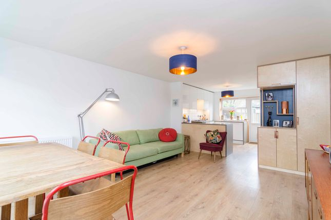 Thumbnail Flat for sale in Beulah Road, London