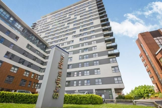 2 bed flat for sale in Alencon Link, Basingstoke, Hampshire