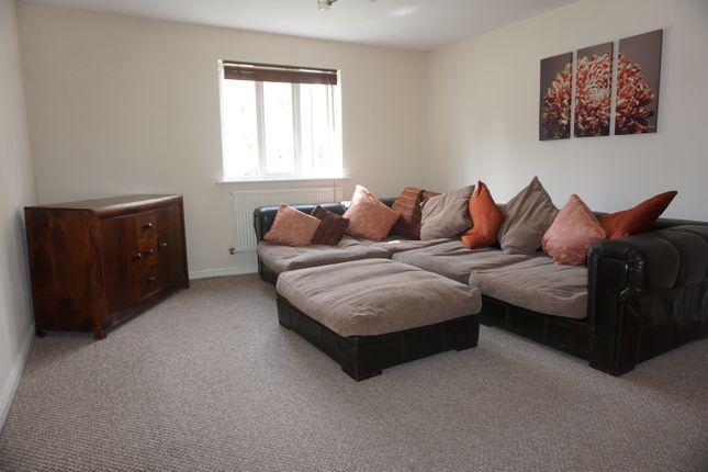 2 bed flat to rent in Shepherds Walk, Bristol
