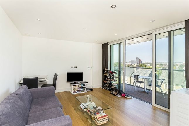 Thumbnail Flat for sale in Rainsborough House, 5 Stamford Square, London