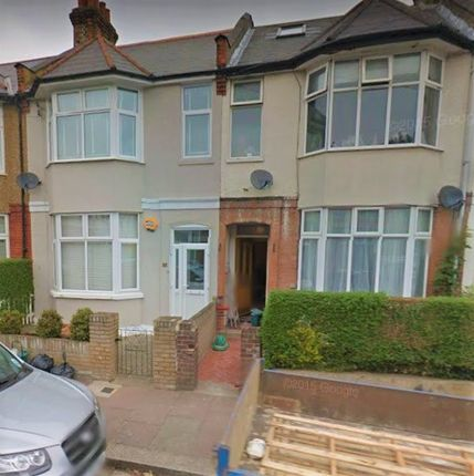 Thumbnail Detached house to rent in Hounslow Avenue, Hounslow