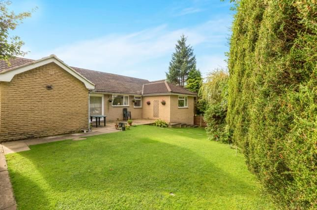 4 bed bungalow for sale in Deepdale Drive, Burnley, Lancashire