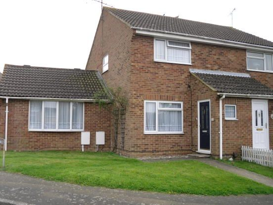 2 bed semi-detached house to rent in Luckhurst Road, Willesborough, Ashford, Kent