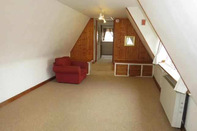 Thumbnail Flat to rent in Tow Path Mews, The Causeway, Chippenham