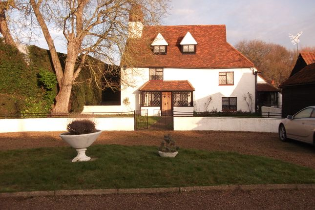 Thumbnail Farmhouse for sale in Nazeing Road, Waltham Abbey
