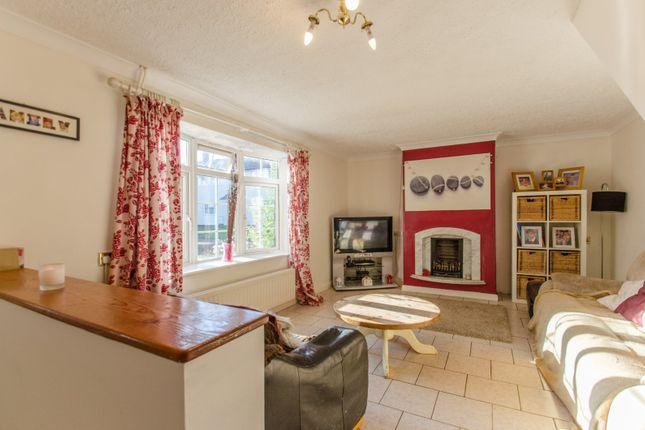 Picture No. 14 of Siddons Road, Stevenage, Hertfordshire SG2