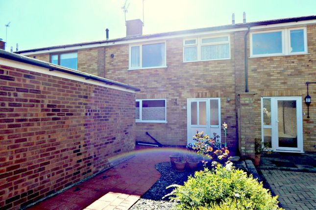 Thumbnail Terraced house to rent in Wentworth Drive, Old Felixstowe, Felixstowe