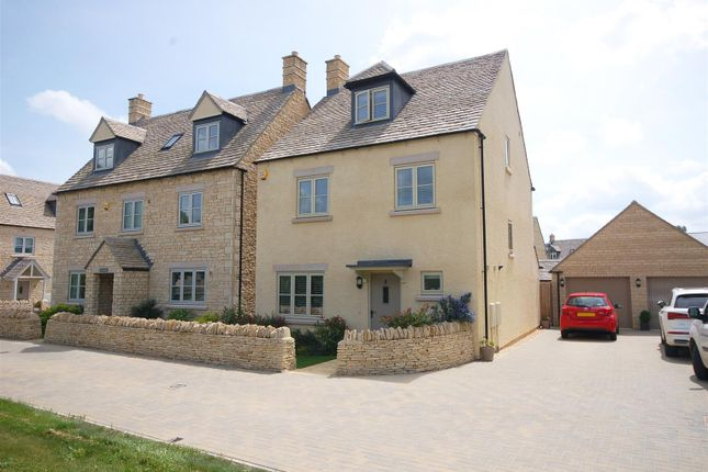 Thumbnail Town house for sale in Scott Thomlinson Road, Fairford