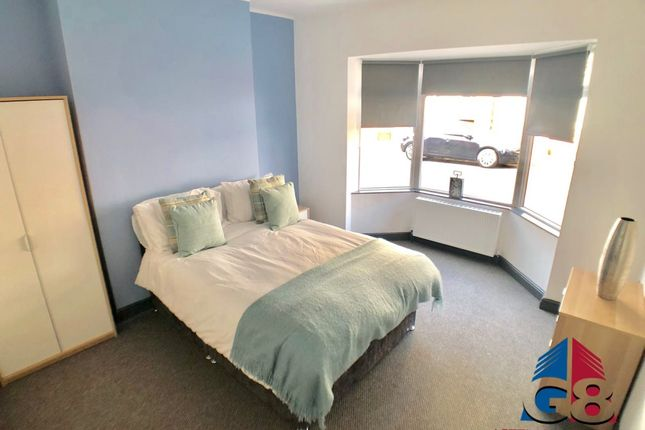 Room to rent in Elmfield Road, Hyde Park, Doncaster