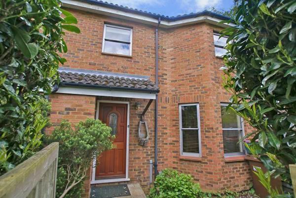 Thumbnail Semi-detached house to rent in Peartree Lane, Welwyn Garden City