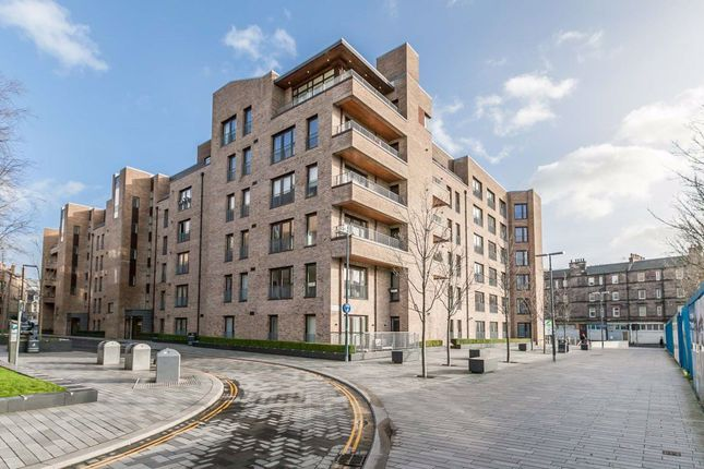 Thumbnail 1 bed flat to rent in Brandfield Street, Edinburgh