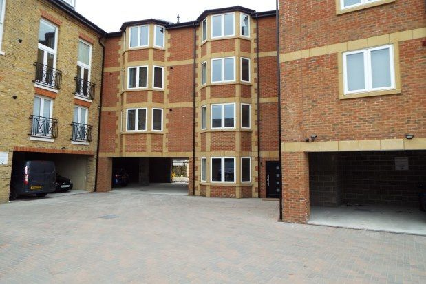 Thumbnail Flat to rent in Broadway, Sheerness