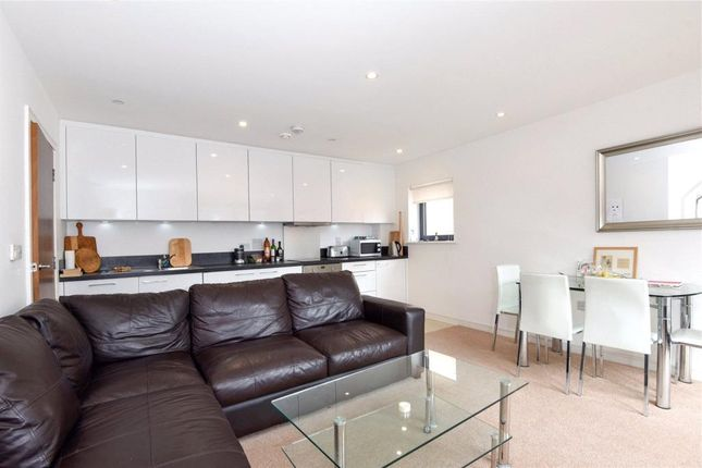 Thumbnail Flat for sale in College House, Putney