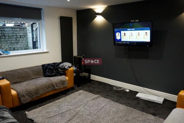 Shared accommodation to rent in Hartley Avenue, Woodhouse