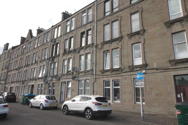 Thumbnail 1 bed flat for sale in Lyon Street, Dundee