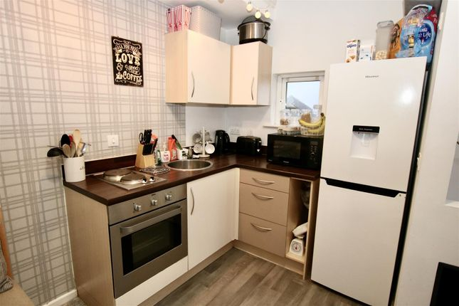 Kitchen Area of Stark Way, Lincoln LN2