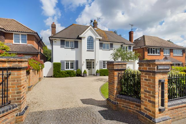 Thumbnail Detached house for sale in Woodlands Park, Leigh-On-Sea