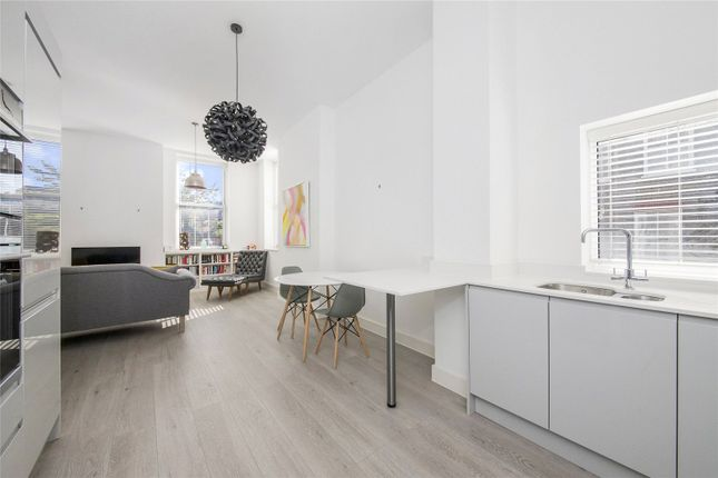 2 bed flat for sale in Huntley Close, Greenwich SE10