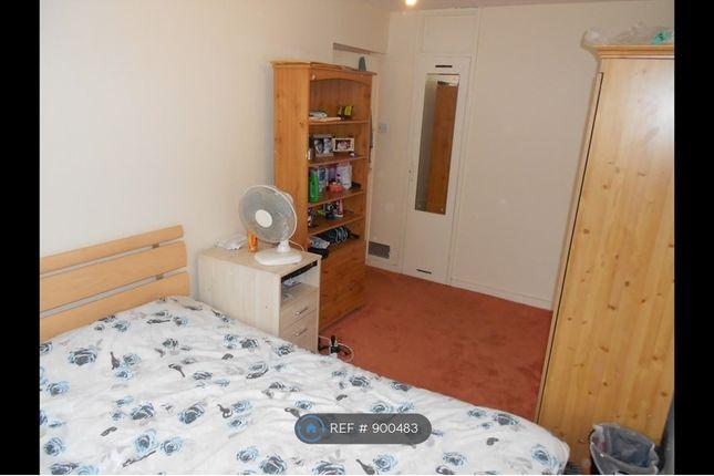Bedroom 1 of Navestock Crescent, Woodford IG8