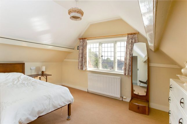 Picture No. 18 of Alexandra Road, Farnborough, Hampshire GU14