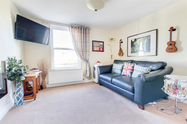 Thumbnail Flat for sale in Queens Road, Burnham-On-Crouch
