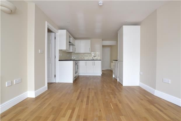 Thumbnail Flat to rent in Westend Terrace, Gloucester