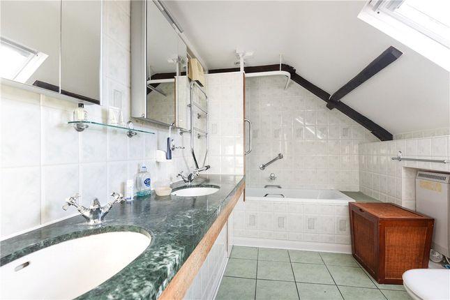 En Suite of Hinton, Mudford, Yeovil, Somerset BA22