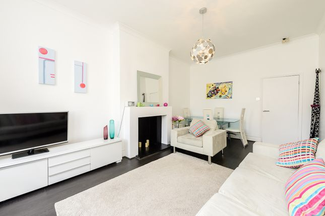 Thumbnail Flat for sale in Mowbray Road, London