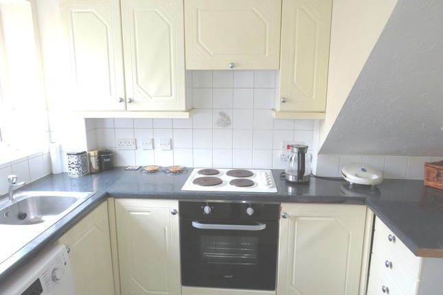 Thumbnail Property for sale in Saffron Meadow, Calne