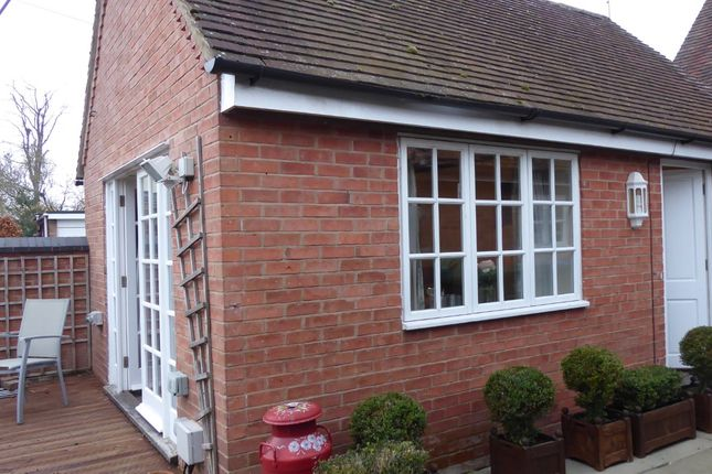 Thumbnail Flat to rent in The Old School House The Square, Long Itchington