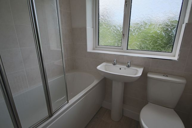 Bathroom of Stanley Grove, Penwortham, Preston PR1