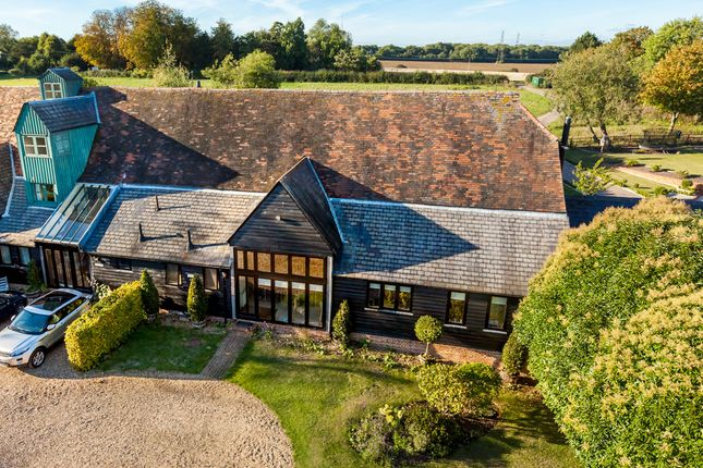 Thumbnail Barn conversion for sale in Throcking, Buntingford