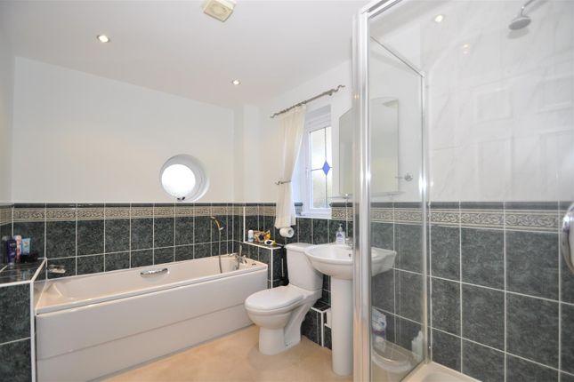 Bathroom. Jpeg of Moorland Fold, Stalybridge SK15