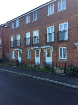 Thumbnail Town house to rent in Runway, Hatfield