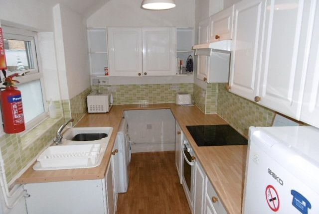 Thumbnail Property to rent in Evelyn Street, Beeston