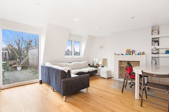 Thumbnail Flat for sale in Eardley Crescent, London