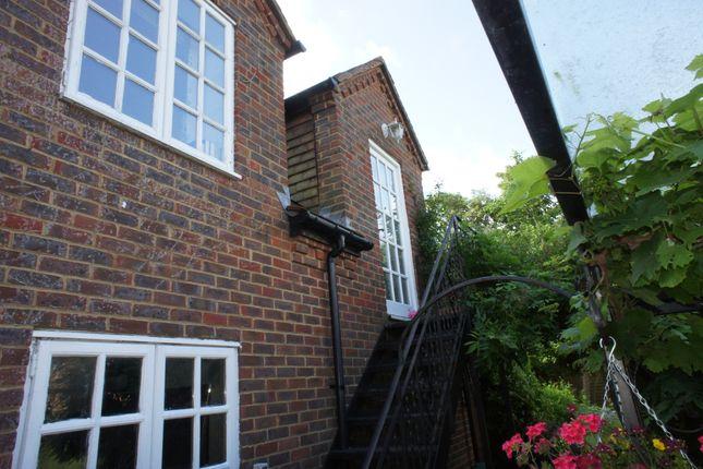 Thumbnail Studio to rent in Bell Lane, Henley Onthames