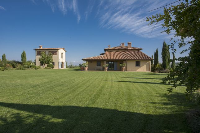5 bed detached house for sale in Crespina, Crespina, Italy