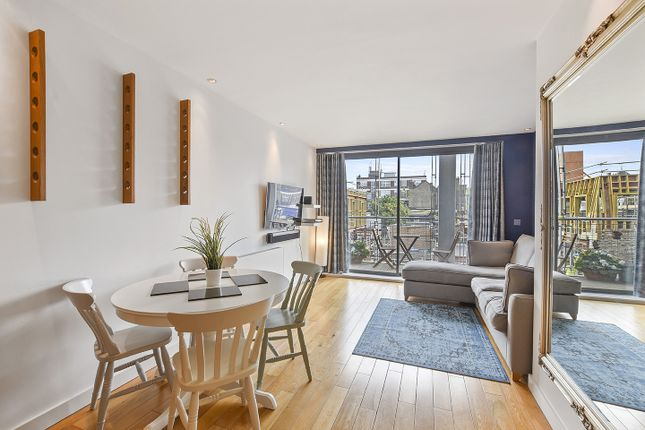 Thumbnail Flat to rent in 124 Pentonville Road, London