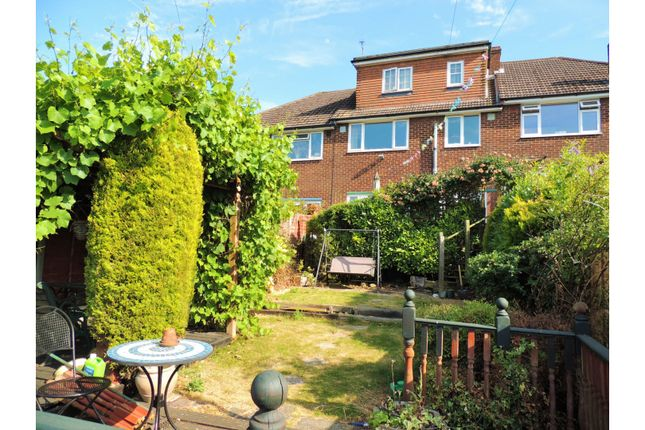 Thumbnail Terraced house for sale in Warwick Crescent, Rochester