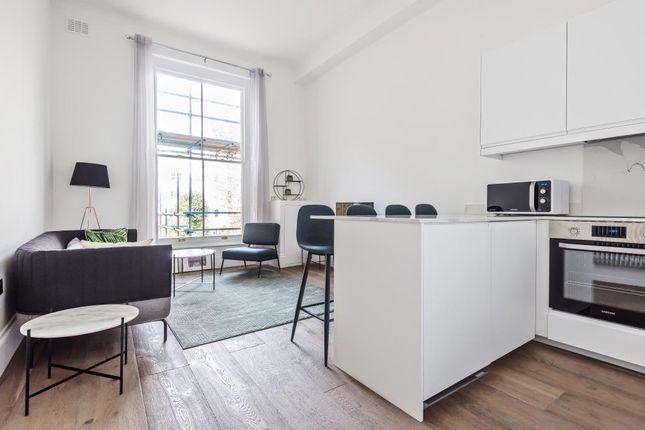 Thumbnail Flat to rent in Arundel Gardens W11,