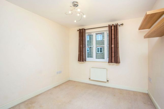 Bedroom of Periwood Crescent, Perivale, Greenford UB6