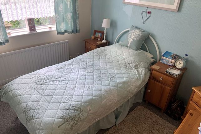 2 bed flat to rent in Holystone Avenue, Blyth NE24