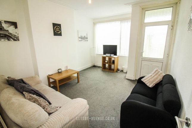 Terraced house to rent in Parkfield Grove, Beeston, Leeds