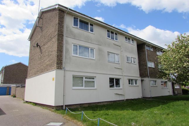 Thumbnail Flat to rent in Curlew Close, Clacton-On-Sea