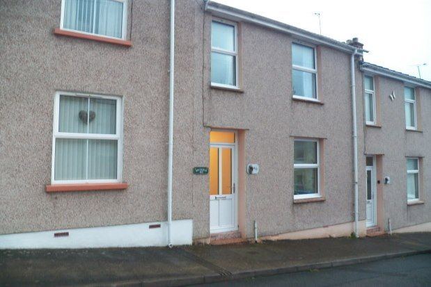 3 bed property to rent in Arthur Street, Pembroke Dock SA72