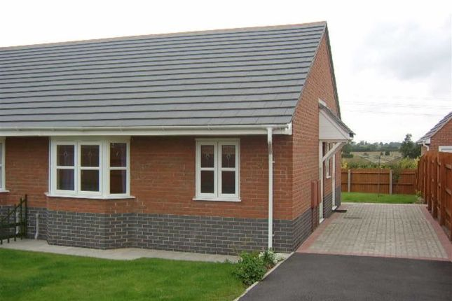 2 bed semi-detached bungalow to rent in Livia Close, Hinckley