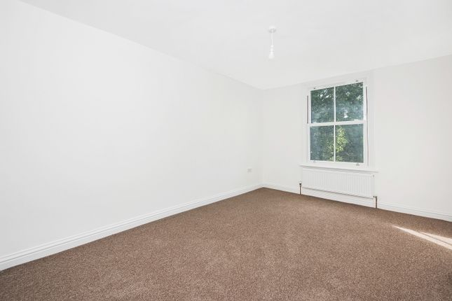 6 bed flat to rent in Waller Road, London SE14