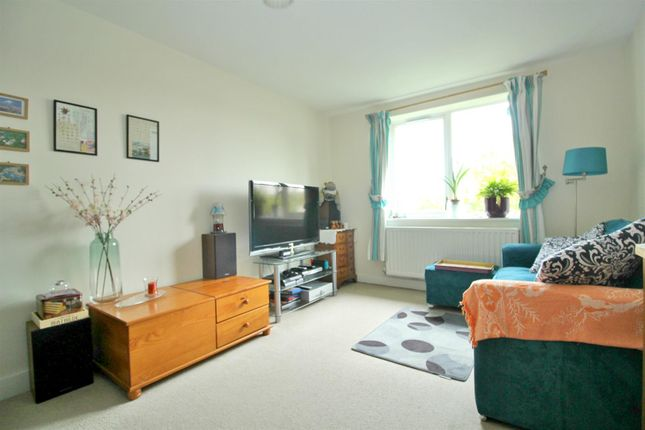 Flat for sale in Drapers Road, Enfield